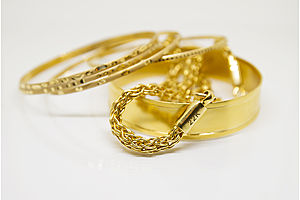 Gold Jewelry's Real Advantage: Wearable, Transportable Wealth