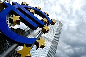 ECB buying dwarfs euro zone bond sales, pins yields near lows