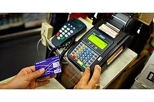 americans are having trouble paying off their credit cards