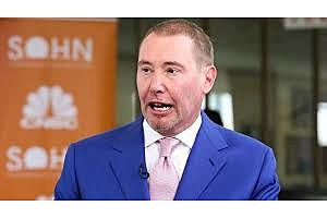Gundlach: Dollar Should Run out of Steam Close to Where It Is Right Now