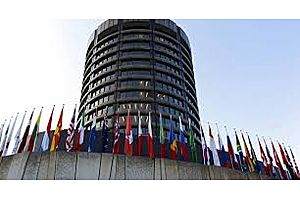 """BIS Warns on Clearing System """"Financial Seizure"""" Risk From $540T in Derivatives"""