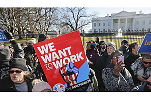 """Bloomberg: """"Trump Orders Thousands Back to Work Without Pay to Blunt Shutdown"""""""