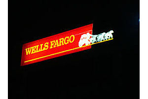 Wells Fargo Customers Report Missing Direct Deposits, Glitches Continue