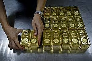 Gold near 6-Yr High on Central Bank Stimulus Hints, Mid East Tensions