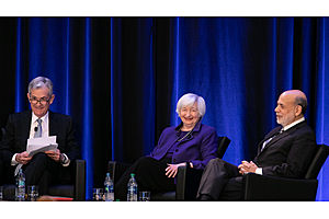 The Fed Is Now Enabling Politicians to Act Recklessly