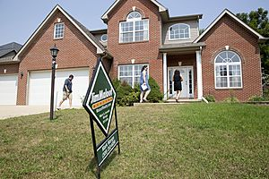 Weekly Mortgage Refinance Apps Rise, as Home Purchase Demand Falls