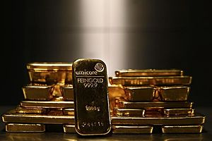 Gold Dips on Day, But up on Week