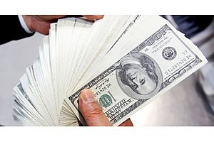 Dollar Fights for Footing as Fed Minutes Eyed