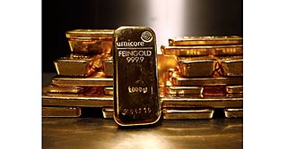 10 countries hoarding enormous piles of Gold